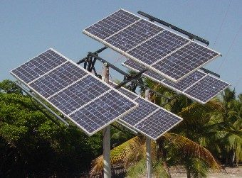 solar-panels-fitted-to-a-solar-tracker
